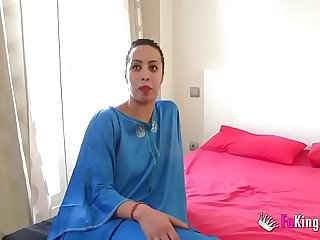 Muslim daughter Nayara is back with us 'cause she wants to be drilled by an even bigger cock